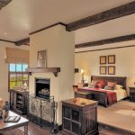 The Manor - Cottage Suite Bedroom