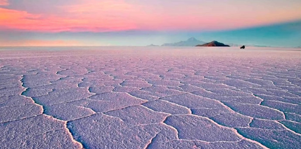 Uyuni-Salt-Flats-Bolivia-Naturally